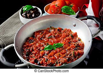 tomaat, basilicum, olijven, saus