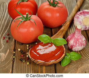 tomaat, basilicum, saus