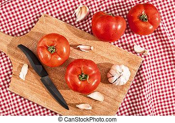 tomate, alho, vermelho