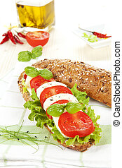 tomate, baguette., mozzarella