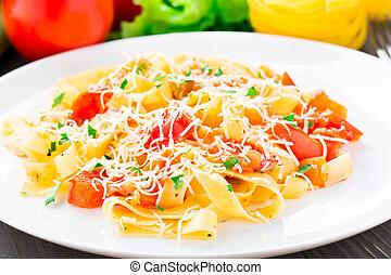 tomate, fettuccine
