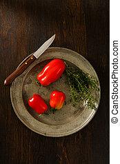 tomates, ciruela, tomillo, cosecha propia