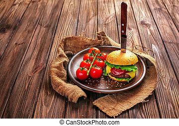 tomates, hamburger, appétissant, table