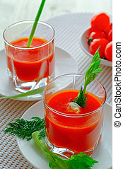 Tomato fresh juice in two