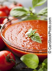 tomato sauce - bowl of tomato pulp, pure, sauce, basil ...