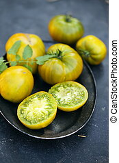 "tomatoes varieties ""emerald apple"""
