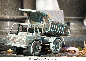Tomb Ornament Metal Truck