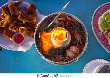 tomi, jamgyökér, kevert, tenger táplálék, alatt, csípős edény