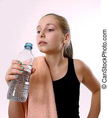 tonårig, efter, exercerande, vatten buteljera, flicka