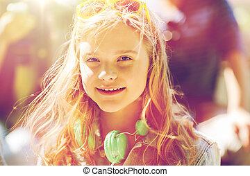 tonårig, hörlurar, flicka, lycklig