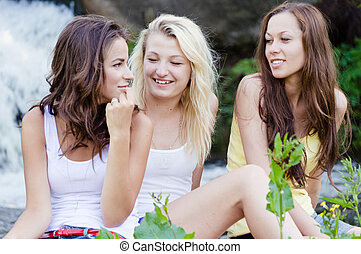 tonåring, vattenfall, flickor, tre, lycklig