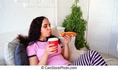 ton, home., boire, chaud, mange, femme, nourriture, jeune, ...