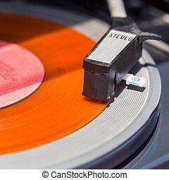 tonearm, de, plataforma giratória, ligado, laranja, registro vinil