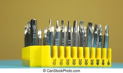 Tool set, set of removable bits for the screwdrivers
