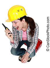 toolbox, mulher, rádio, mão, sentando