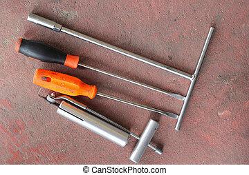 tools.