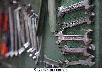 tools (NIKON D80; 2.6.2007; 1/50 at f/4.5; ISO 100; white...