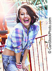 toothy, checkered, chemise, enjoyment., gladness., femme, sourire, expressif