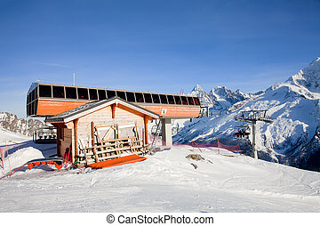 Top station of cable lift
