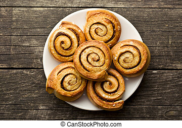 cinnamon buns - top view of cinnamon buns