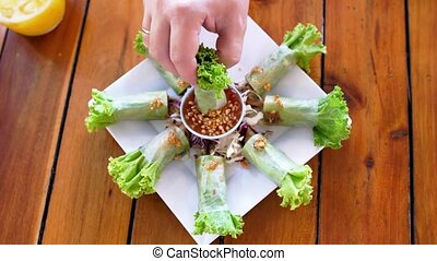 Top view, Setting vegetable around spring roll plate....