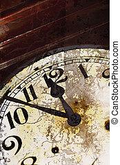 toqué, vieux, horloge, détail