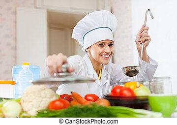 toque, cocinero, feliz, cocina, trabaja
