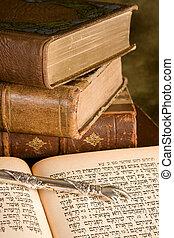 torah, puntatore, su, libri