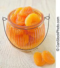 torka, aprikoser