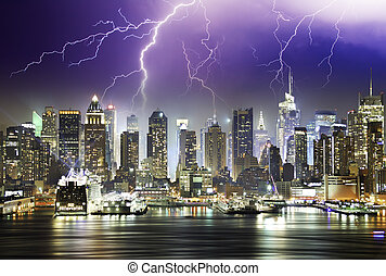 tormenta, y, relámpagos, en, el, noche, de, nueva york