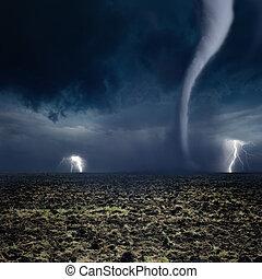 tornado, terreno coltivato, lampo