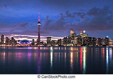 Toronto skyline - Scenic view at Toronto city waterfront ...