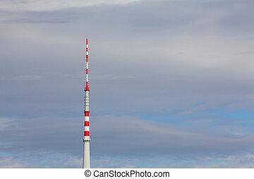 torre de la televisión, en, el, cielo azul
