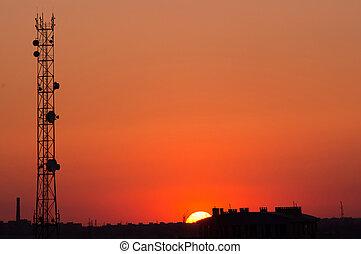 torre pilha, em, pôr do sol