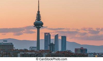 torres, bâtiments, domaine affaires, tv, madrid, timelapse, quelques-uns, piruli, cuatro, horizon, partie, kio, tower., emblématique, tel, tours