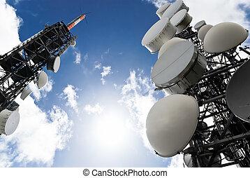 torres, debajo, telecomunicación, vista