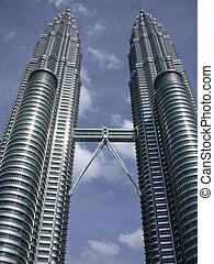 torres, petronas