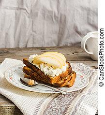 tostada, queso, taza para café, dulce, pera, desayuno, crema