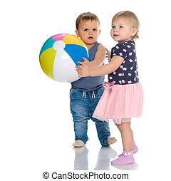 totyogó kisgyerek, fiú lány, játék, noha, ball.