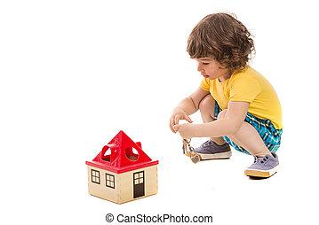 totyogó kisgyerek, fiú, nyílás, apró épület
