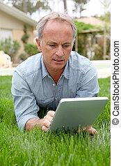touchpad, maison, homme, jardin, séance
