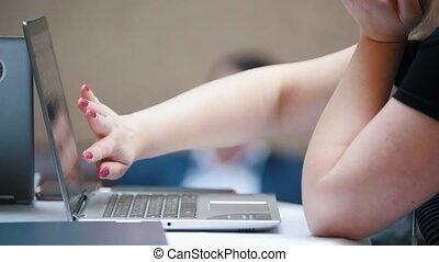 touchscreen, affaires femme, séance, ordinateur portable, concept.