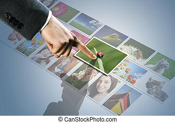 touchscreen, interface:, uomo, mano, raggiungimento, immagini, su, il, schermo