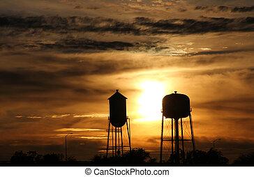 tour eau, coucher soleil