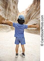 tourist kid in Petra