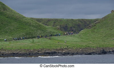 tourist, masse, auf, riesig, damm, nordirland, -, gebürtig,...