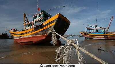 Tourist Vietnam .Traditional Fishing boats - Tourist...