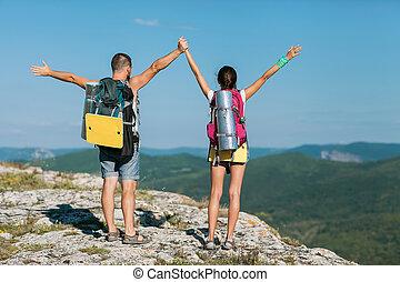 touristes, montagne, deux, stand