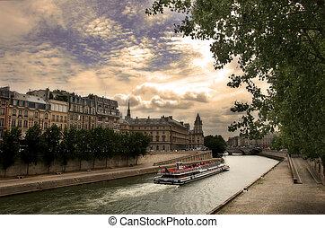 touristique, seine, paris, france., bateau rivière