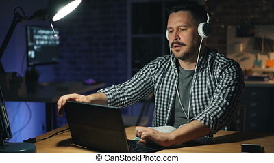 tourner, bureau, fatigué, ordinateur portable, ouvrier, ...